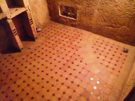 Sol salle de bain Nairobi.jpg