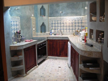 Avant apr s la cuisine r novation du riad zitouna f s - Decoration cuisine marocaine photos ...